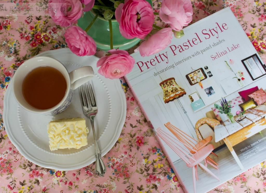 Reading: Pretty Pastel Style