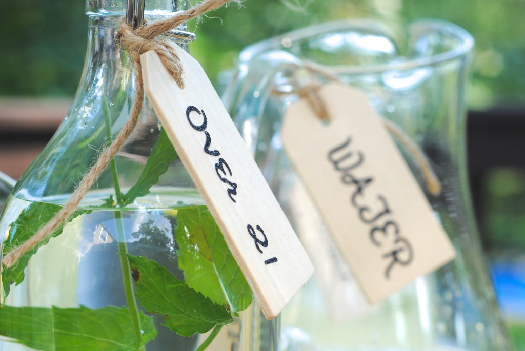 DIY-beverage-tags-homemade-gift-ideas-Making Lemonade