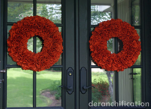 FallBurlapWreaths_FrontDoors-Deranchification