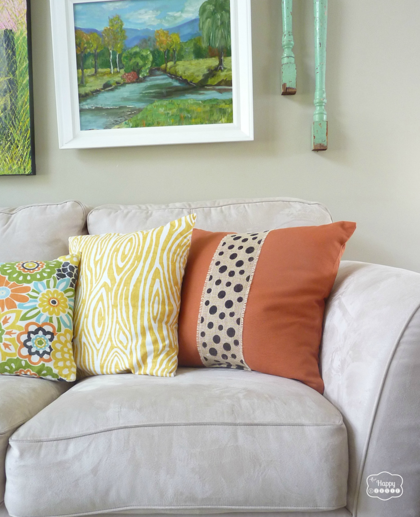 Two-Minute-Burlap-Embellished-Fall-Pillows-at-thehappyhousie