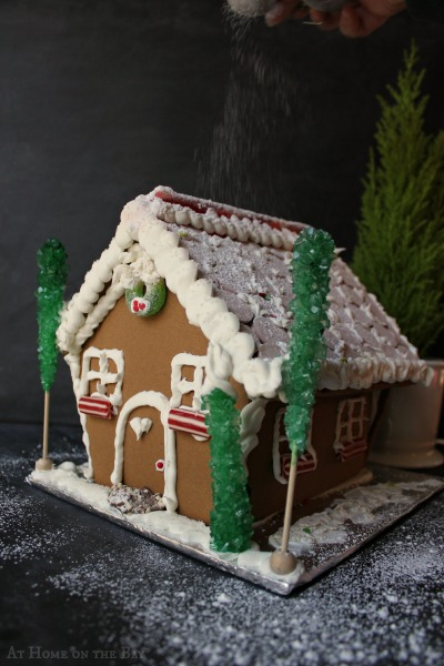 Gingerbread-House-Decorating-Tips