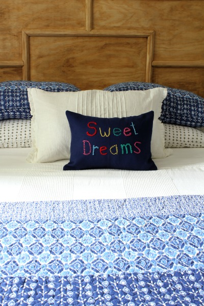 Sweet Dreams pillow tutorial - At Home on the Bay