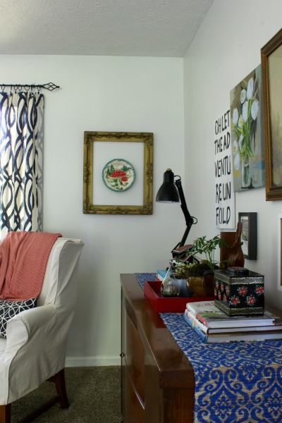 vinatge eclectic living room-tour