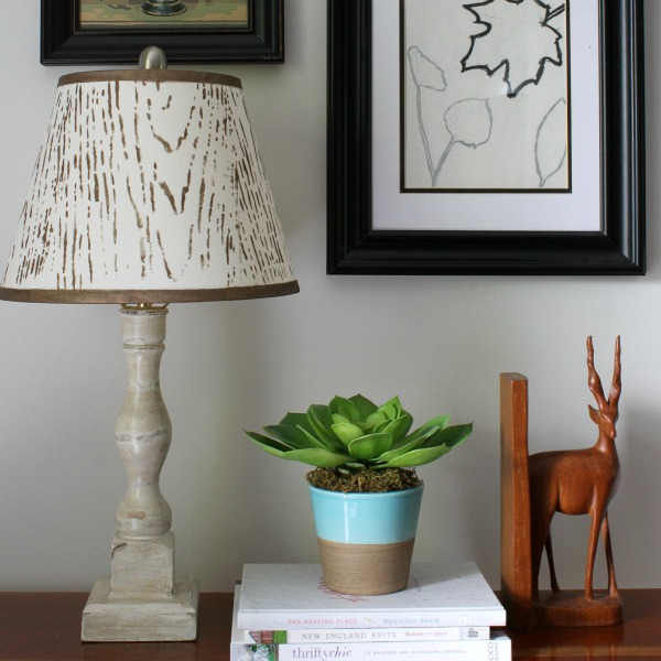 faux wood stenciled lampshade-tutorial